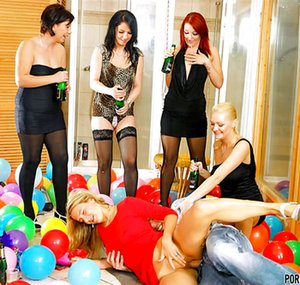 Free Reverse Gangbang Pictures